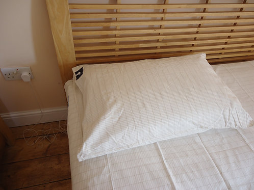 Grounding Pillow Case with Plug