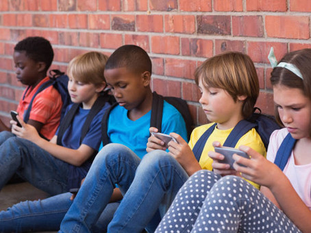 Mobiles for Tweens, Despite Warnings from Science