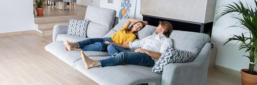 axel-sofa-fama-2021_stiegler-wohnkultur-