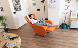 mondrian-sofa-fama-2021-baja-01_stiegler-wohnkultur-fuessen.jpg