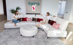 kalahari_fama-sofa_2021-10_stiegler-wohnkultur-fuessen.jpg