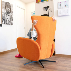 mondrian-sofa-fama-2021_stiegler-wohnkul