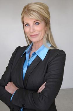 Donna Schuller1087 100dpi