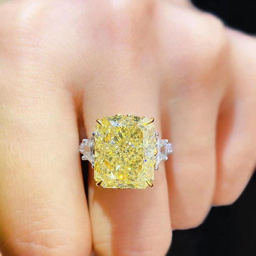 (Ask Price) Fancy Light Yellow Ring 11.06ct