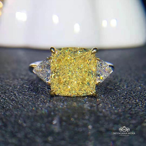 Yellow Diamond Ring 5.03ct