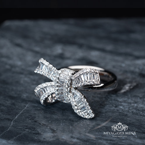 Butterfly Shpaed White Diamond Ring 1ct