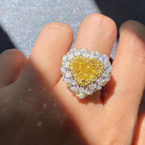 (Ask Price) Fancy Vivid Yellow Diamond Ring 5.0ct