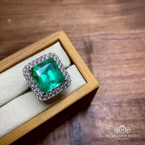 Minor Oil Emerald Ring 9.6ct