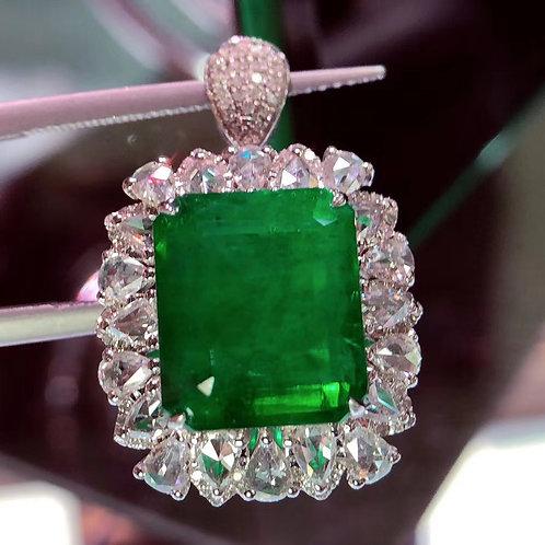 Vivid Green Emerad Ring 8ct