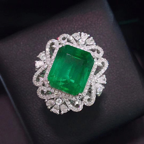 Vivid Green Emerald Ring 5.81ct