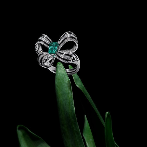 Butterfly Shaped Emerald Ring 1.4ct