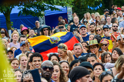 crowd flag venezuela MC