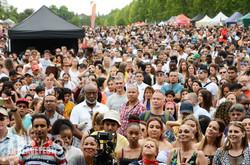 crowd MC