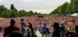 Rene crowd