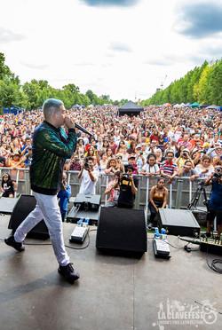 Valenciz crowd DH
