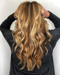 Bold highlights with a natural look