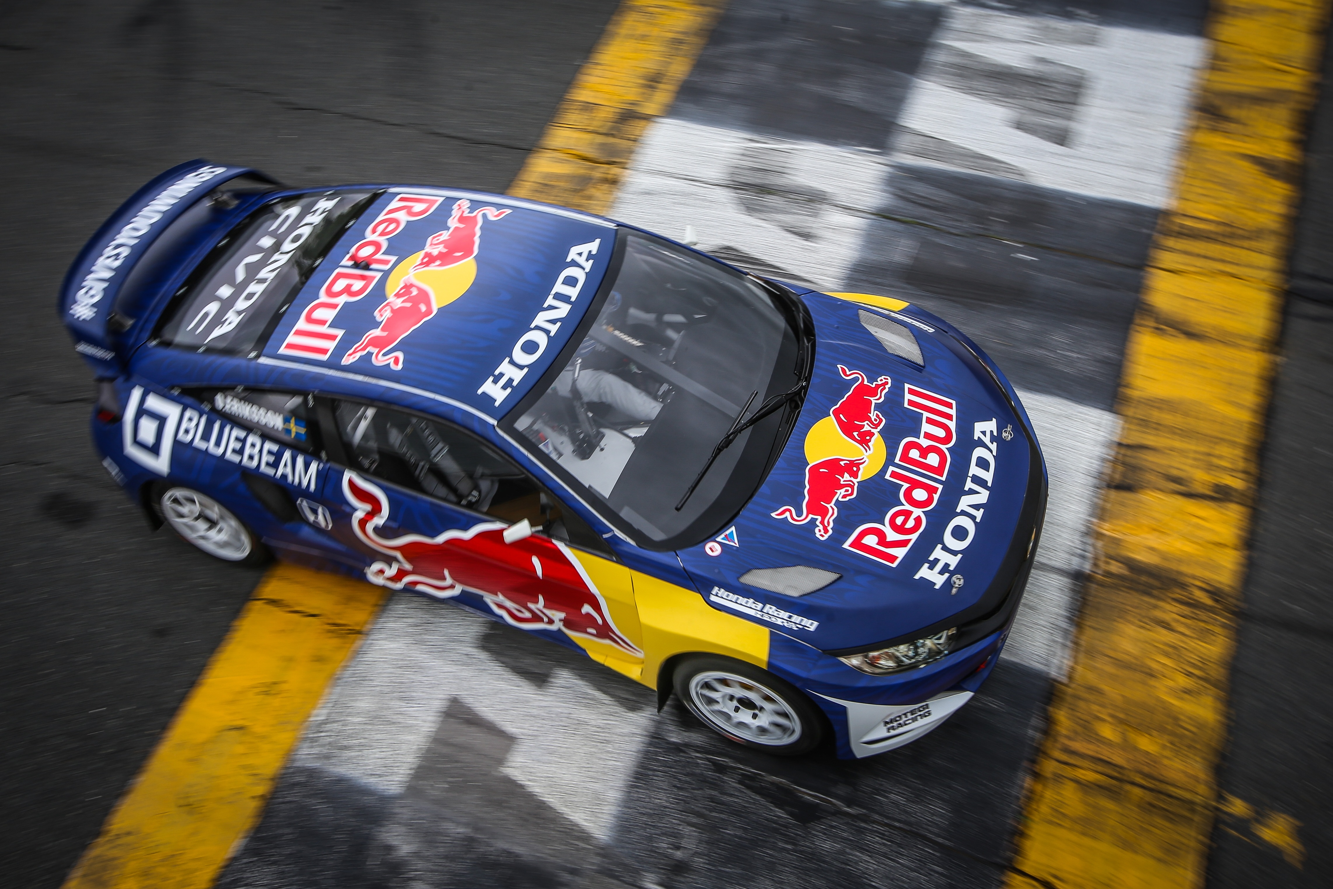 170427-honda-red-bull-omse-civic-coupes-3