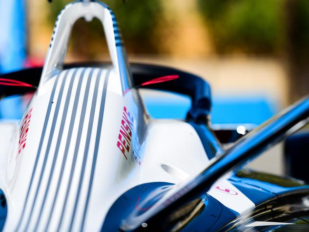 Spacesuit-Media-Lou-Johnson-FIA-Formula-
