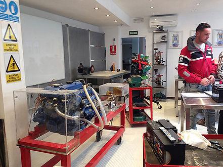 Mantenimiento motores marinos y electric