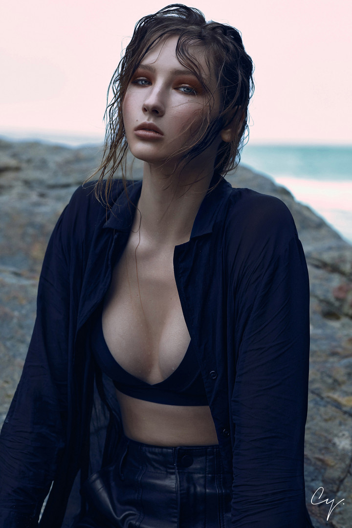 PHOTO & STYLING// CARINA YAU  HAIR// DANIELLE ABBOTTS  MAKEUP// ANDREA LENGYELOVA  MODEL// DINA S @ GENESIS (HK)
