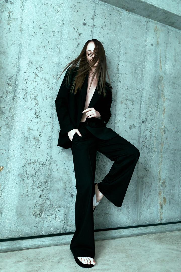 PHOTO + STYLING// CARINA YAU  HAIR// DANIELLE ABBOTTS  MAKEUP// LETICIA BISHOP  MODEL// ISABELA @ QUEST (HK)
