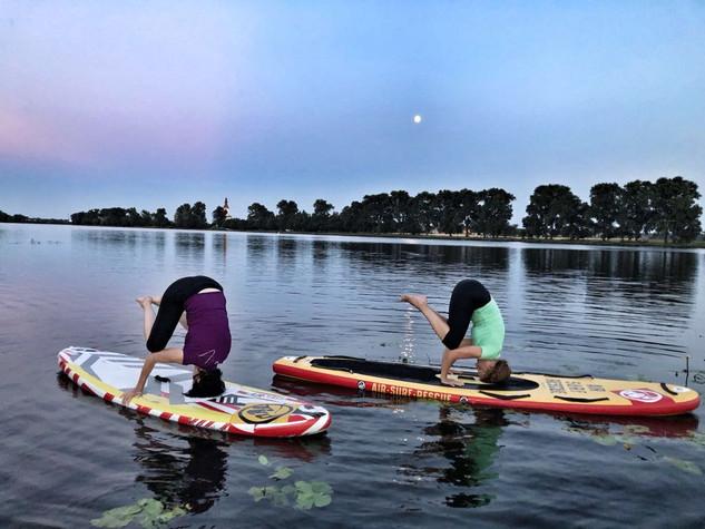 Prožili jsme - Paddle board jóga  - červ
