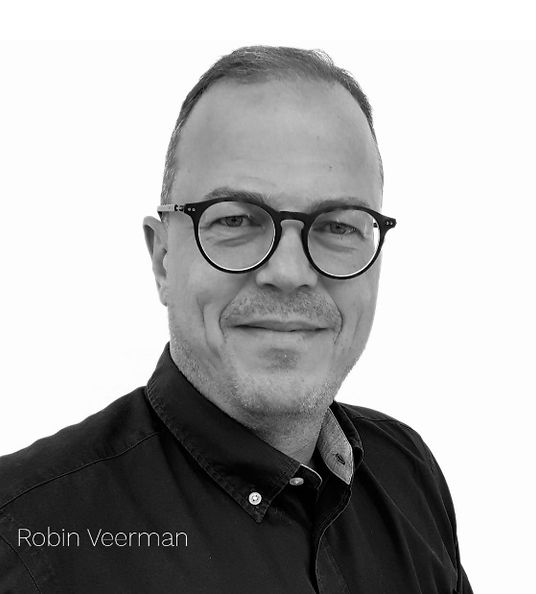 ROBIN VEERMAN - Home Profile photo.jpg