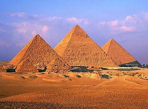piramids-of-giza-background-57413.jpg