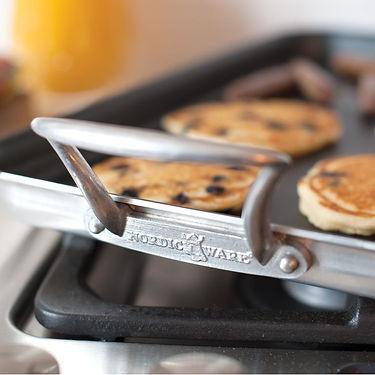 10330_high_sided_w_pancakes_08_beauty.jp