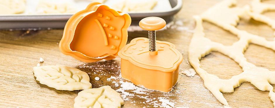 decorative-pie-crust-cutters-on-the-tabl