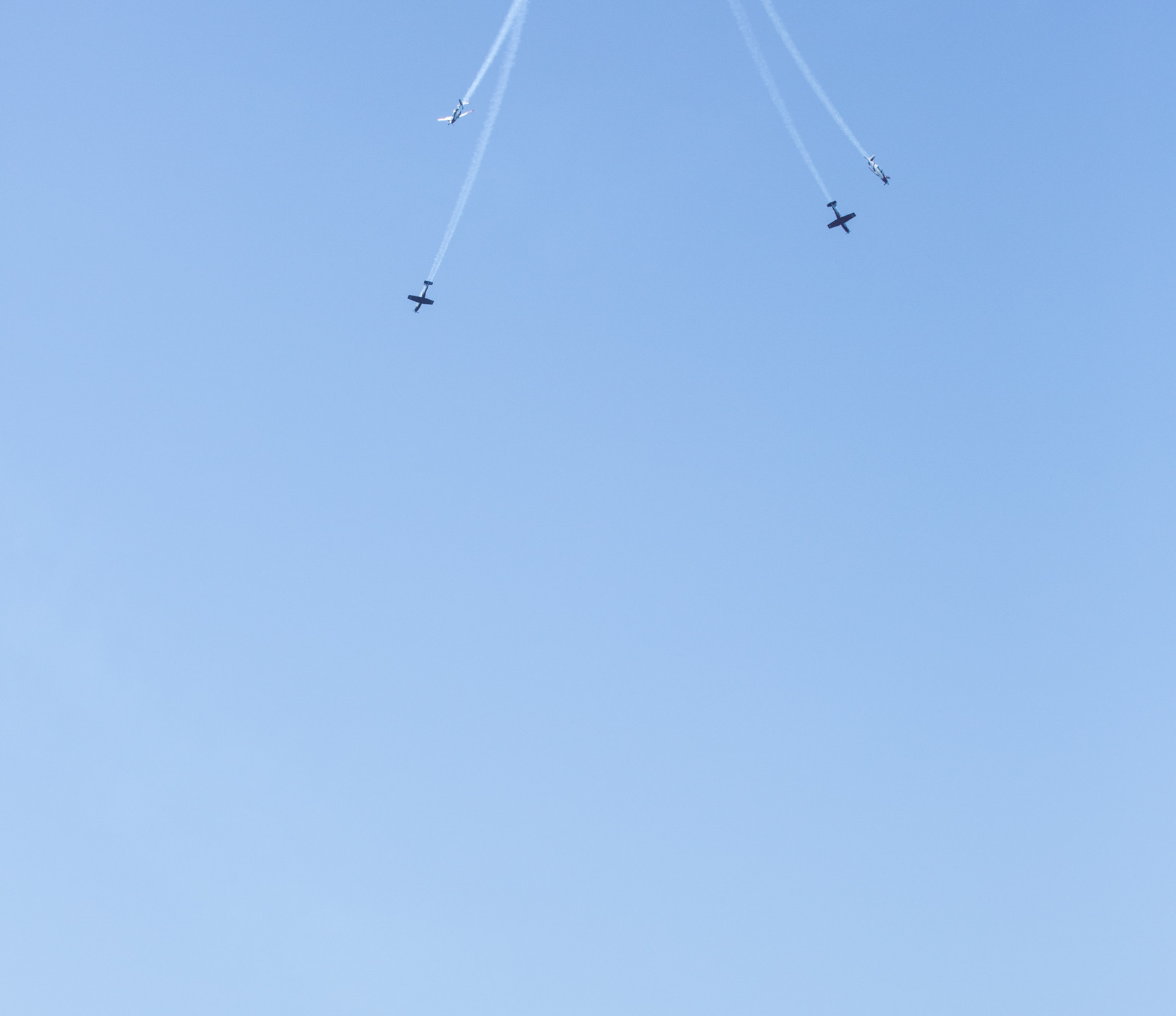 Crowds watch the IAF Airshow
