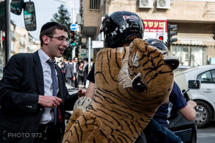 Purim Photo Tour in Bnei Brak