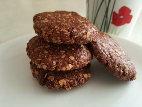 Nepečené čokoládové sušenky jen ze 3 surovin