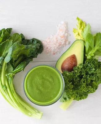 zelenina - kadeřávek, salát, avokád