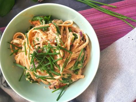Premium: Těstoviny se špenátem a humusem