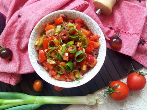 Premium: Rajčatový salát s olivami a kečupem