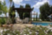 SANUKA: Relaxen am Pool