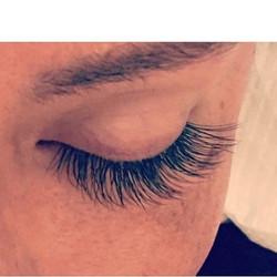 Lashyyyy ☺️✨ •_•_#beauty #eyelashes #boston #mua #boston #spa #salon #lashed #lashedbycori #beaconhi