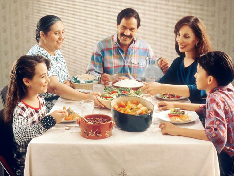 Family-meal-Unspl.jpg