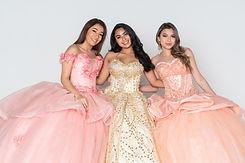 Group of three teenage hispanic girls we