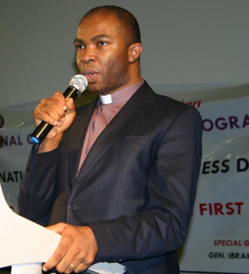 Dr Kin Egwuonwu