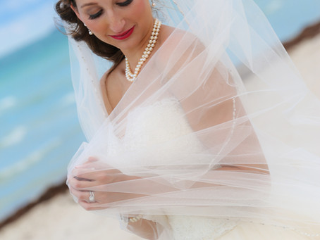 Piano Hands {My Favorite Bride Is A Relaxed Bride ~ Rosina}