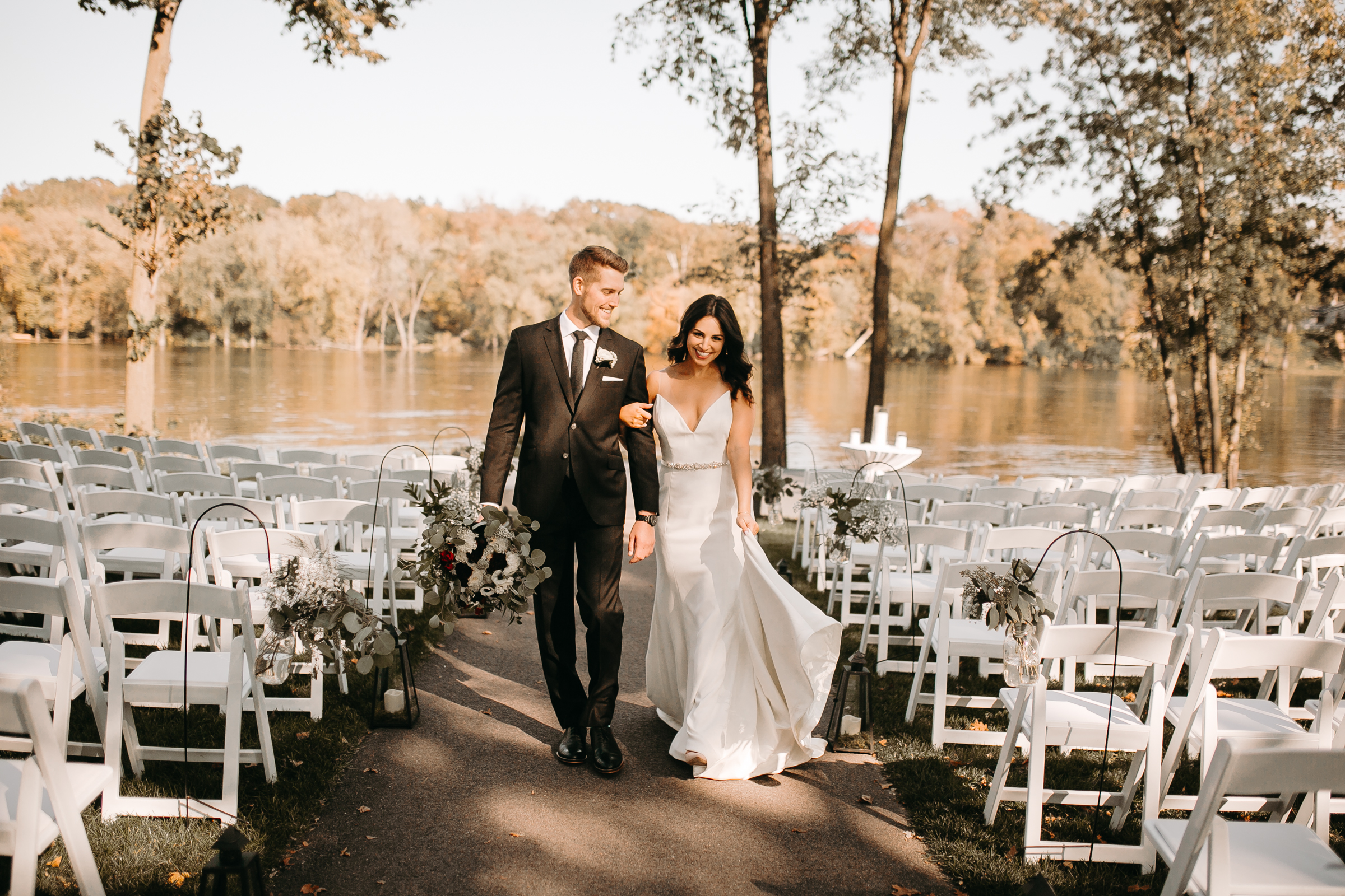 A wedding on the Mississippi River