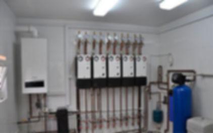 От правильной работы котельной установки зависит такая важная составляющая жизнеобеспечения жилых, промышленных и иных зданий, как система теплоснабжения. Монтаж котельного оборудования требует выполнения конкретных задач по размещению, подключению,наладке и настройке необходимых агрегатов. В связи с этим монтажу котельных под ключ предшествует разработка технических условий по эксплуатации оборудования.