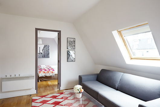 Living Room | 1 bedroom rooftop holiday apartment | Apartments du Louvre