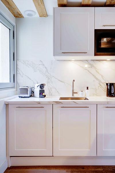 Kitchen | 2 bedroom short stay apartment in Paris | Apartments du Louvre