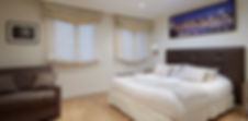 Bed | Quiet serviced short term studio rental | Apartments du Louvre