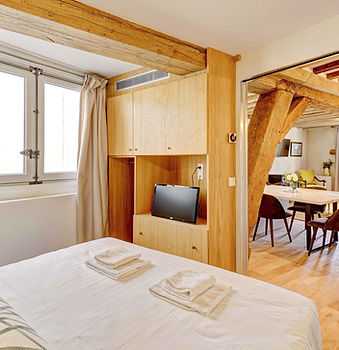 Bedroom | 2 bedroom short stay apartment in Paris | Apartments du Louvre
