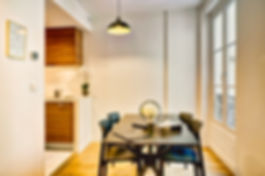 Dining Room | Spacious 3 bedroom holiday rent in Paris | Apartments du Louvre