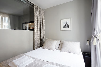 Bedroom | Functional 1 bedroom short stay apartment | Apartments du Louvre